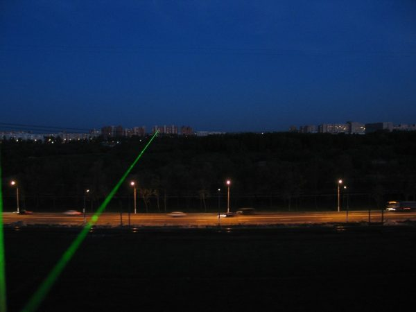 green-laser-pointer5.jpg