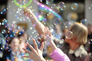 Пистолет для мыльных пузырей